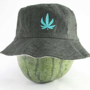 Chapeau Bob en Chanvre Noir avec Feuille Cannabis Brodée