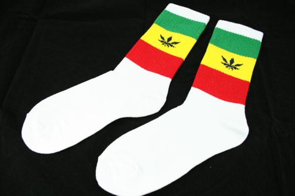 Chaussettes Blanches Longues Homme Femme Feuilles de Cannabis Vert Jaune Rouge