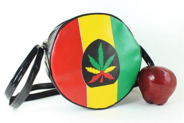 Sac Vinyle Bandes Vert Jaune Rouge Imitation Cuir et Feuille de Cannabis